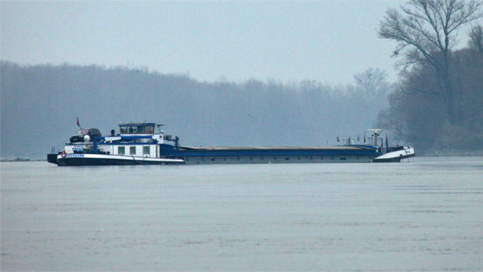 Shipwreck to be removed from the Danube River