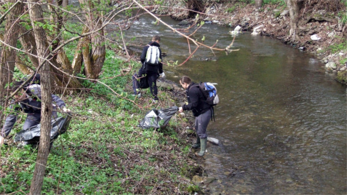 Clean Rivers Experience: Removing waste from Slovak rivers