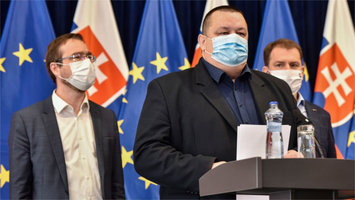 Slovakia faces second wave, new pandemic plan approved