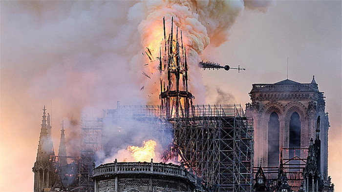 Drame de Notre-Dame : tristesse et solidarité exprimée par la Slovaquie