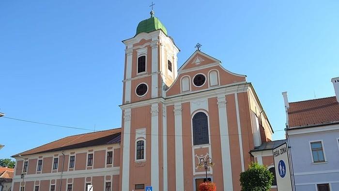 Opustený rožňavský kláštor sa zmenil na kultúrne centrum