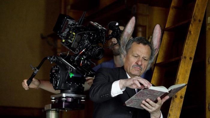 Muž so zajačími ušami v kinách už čoskoro, pozrite si trailer