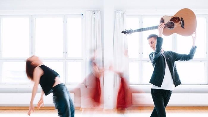 Hudba sveta_FM: Tanec pod rebríkom