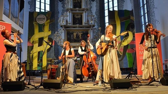 Hudba sveta_FM: Pomiešaná jeseň