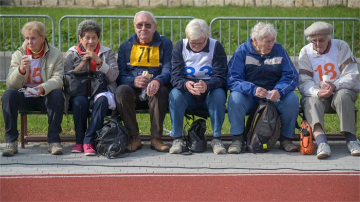 Minimálne dôchodky chcú zmraziť