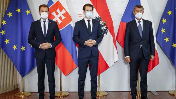 Austerlitz meeting: borders between Slovakia, Czech Republic and Austria remain open