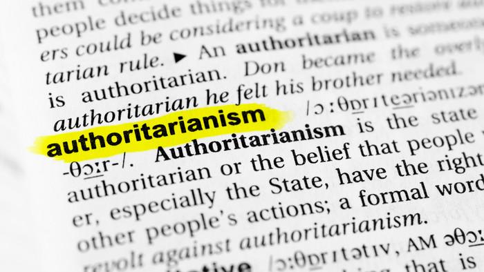 Autoriter árnyak az európai intézményekben