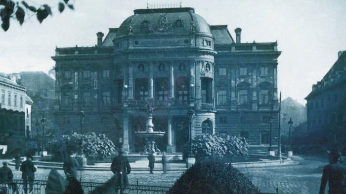 Operu si chceli podrobiť aj diktatúry. Sledujte Storočnicu SND