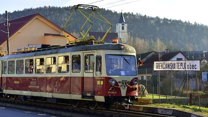 Elektrische Schmalspurbahn: Trenčianska elektrická železnica