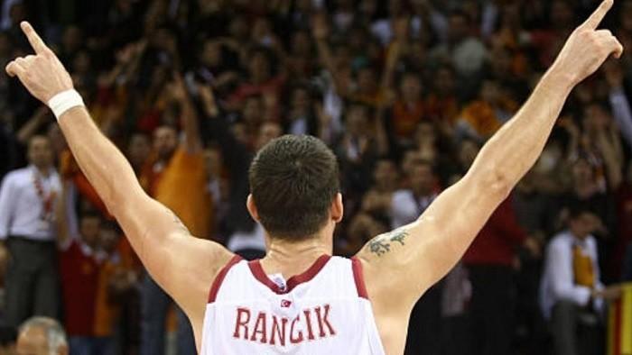 Z basketbalistu televízna hviezda? Tak určite!