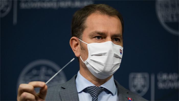 Eslovaquia anuncia la realización de la prueba de COVID-19 a toda su población