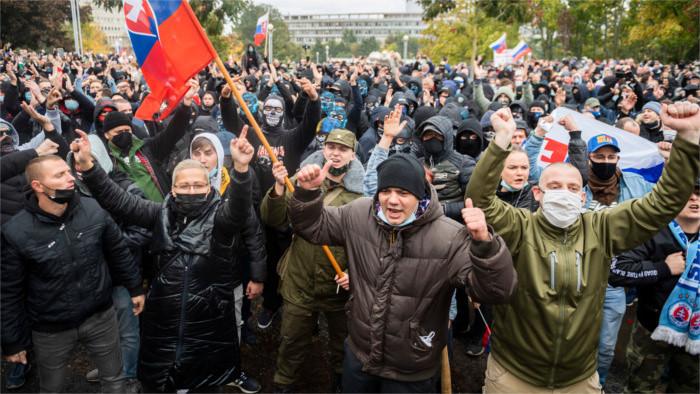 Rechtsradikale randalieren in Bratislava
