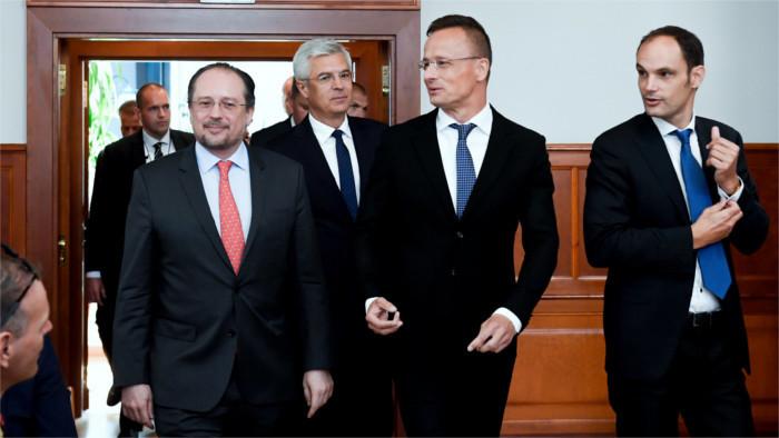Coopération des diplomaties slovaque et slovène