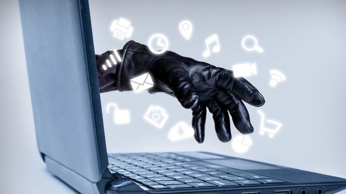Ismét telefonos csalók vadásznak adatainkra