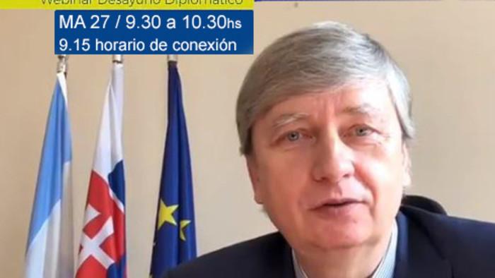 El embajador Rastislav Hindický – invitado al Desayuno con el embajador