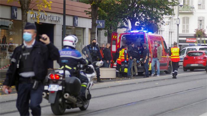 Réactions aux attaques terroristes en France