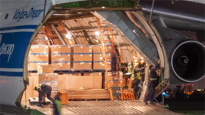 «Ан-124» доставил 3 млн. тестов