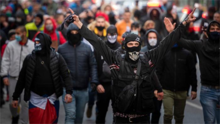 Demonstrationen gegen Regierung und Corona-Regeln