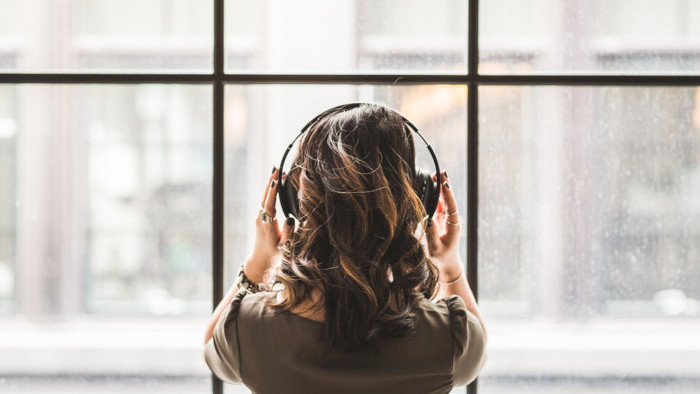 Počúvanie hudby počas pandémie
