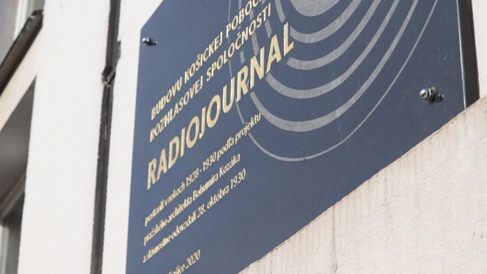 Odhalenie pamätnej tabule na budove Rozhlasu v Košiciach
