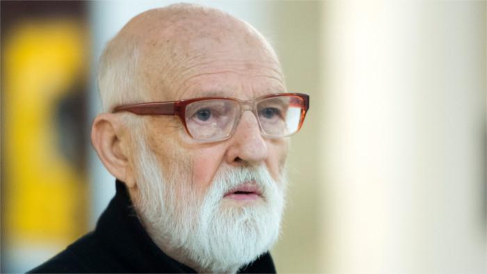 El icónico director checo, surrealista Ján Švankmajer, en ojos del documentalista eslovaco, Adam Oľha