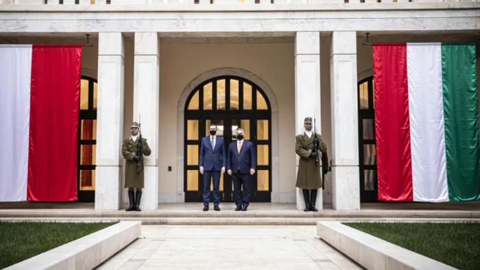 Hosszútávra tervez Orbán és Morawiecki