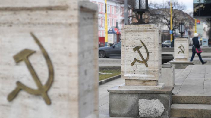 Interdiction des monuments communistes et fascistes
