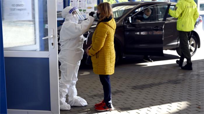 Проблем с коронавирусными тестами на границах станет меньше