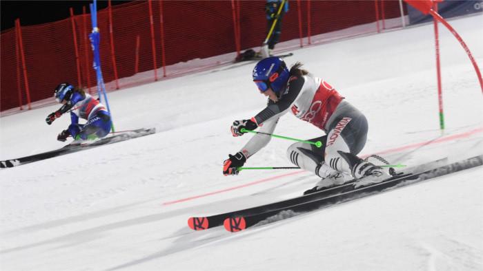 Vlhova wins third consecutive race