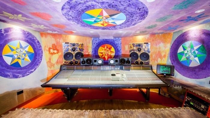 Nahrávacie štúdiá: Strongroom Studio