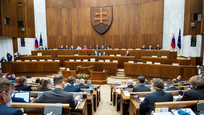 Zasadanie parlamentu