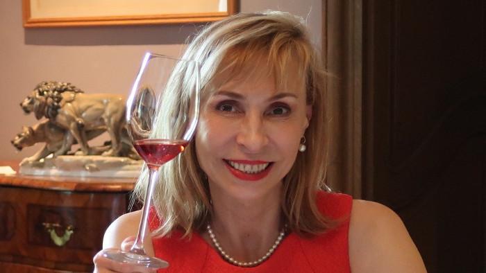 Con Edita Ďurčová sobre la participación de Eslovaquia en Catad'Or Wine Awards