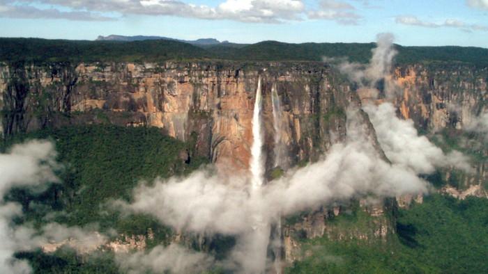 O tom, ako partia kamarátov zdolala najvyššie vodopády sveta