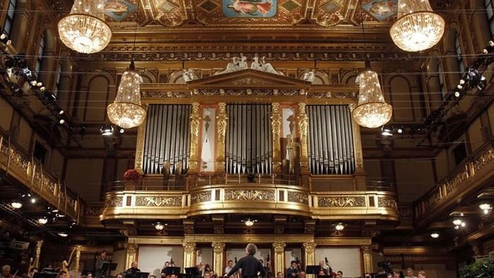 Bécsi újévi koncert - interjú Rajter Adrián zenetudóssal