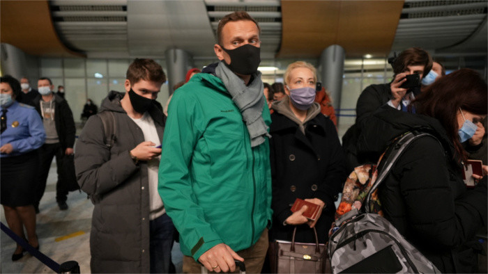 Foreign Minister concerned about Navalny's detention