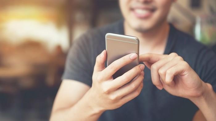 Fórum: Učitelia majú problémy s mobilmi žiakov. Ako sa to dá riešiť?