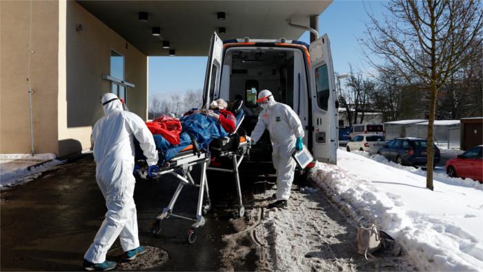 Romania sends doctors and nurses to help Slovakia