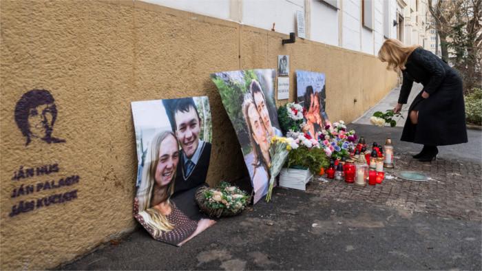 La Presidenta acude a un acto de recuerdo al periodista Kuciak