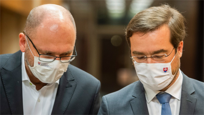 Talks on replacing Healthcare Minister continue