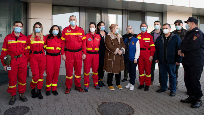 Romanian doctors and nurses arrive to help