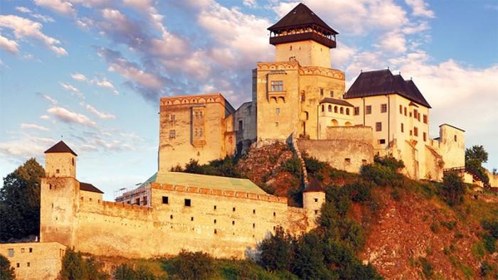 Trenčín – 2ª ronda del concurso sobre los castillos eslovacos