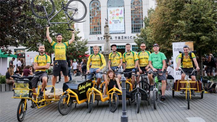 Prekäre Arbeit auf zwei Rädern: Gespräch mit einem Fahrradkurier