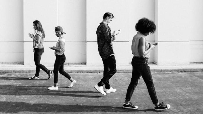 Naozaj nám mobilné aplikácie šetria čas alebo sme na nich len závislí?