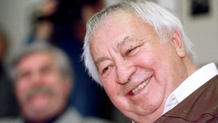 Pod Pyramídou s Miroslavom Horníčkom (1988)