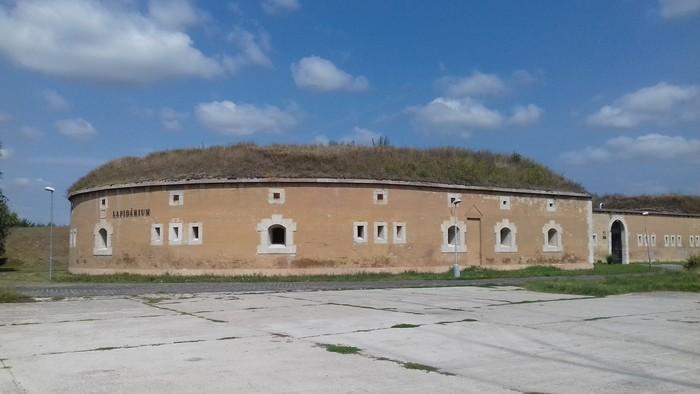 História blízka vzdialená / Malo byť Komárno sídlom rakúskeho cisára?