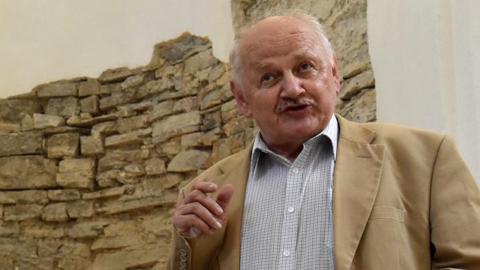 Hľadač súvislostí - pásmo o archeológovi Alexandrovi Ruttkayovi