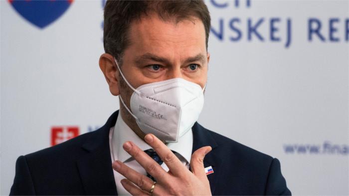 Finance Minister Matovič versus Slovak science and diplomacy