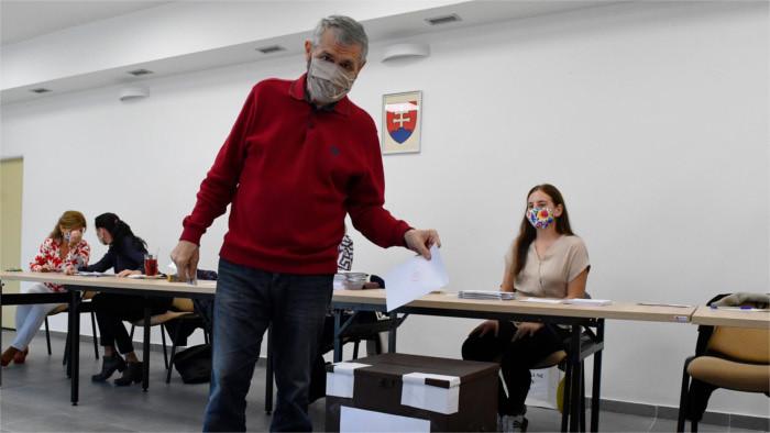 Hlas-SD sigue liderando las preferencias electorales mientras OĽaNO sigue cayendo