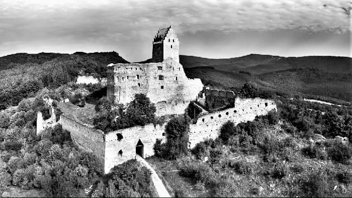 Bola raz jedna povesť - repríza 77. časti (Topoľčiansky hrad, Tematínsky hrad)