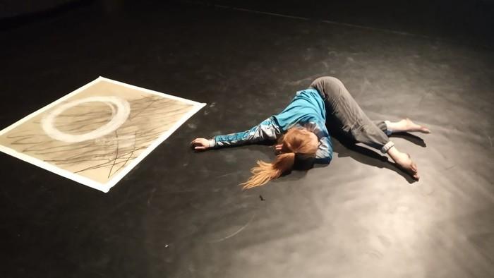 Radoslav Piovarči prináša tanečno-vizuálnu performanciu Charon